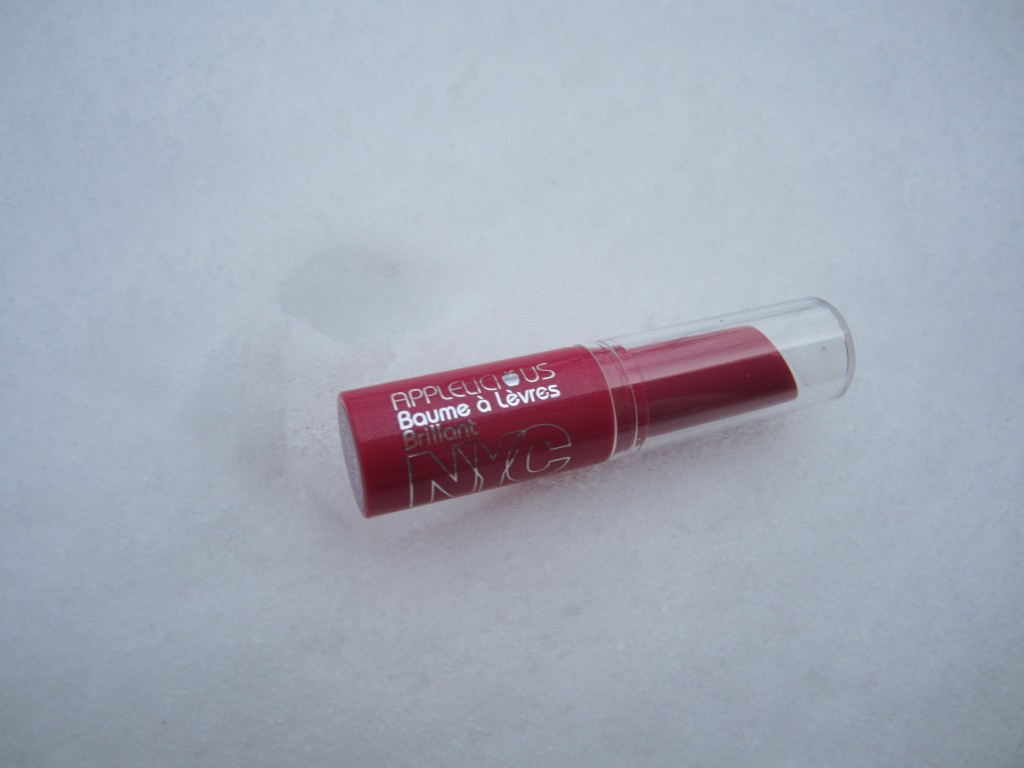 NYC Applelicious Glossy Lip Balm in 357